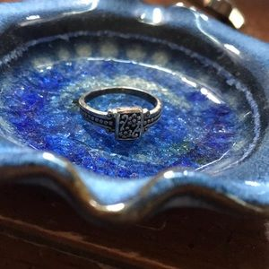Jewelry - Floral ring